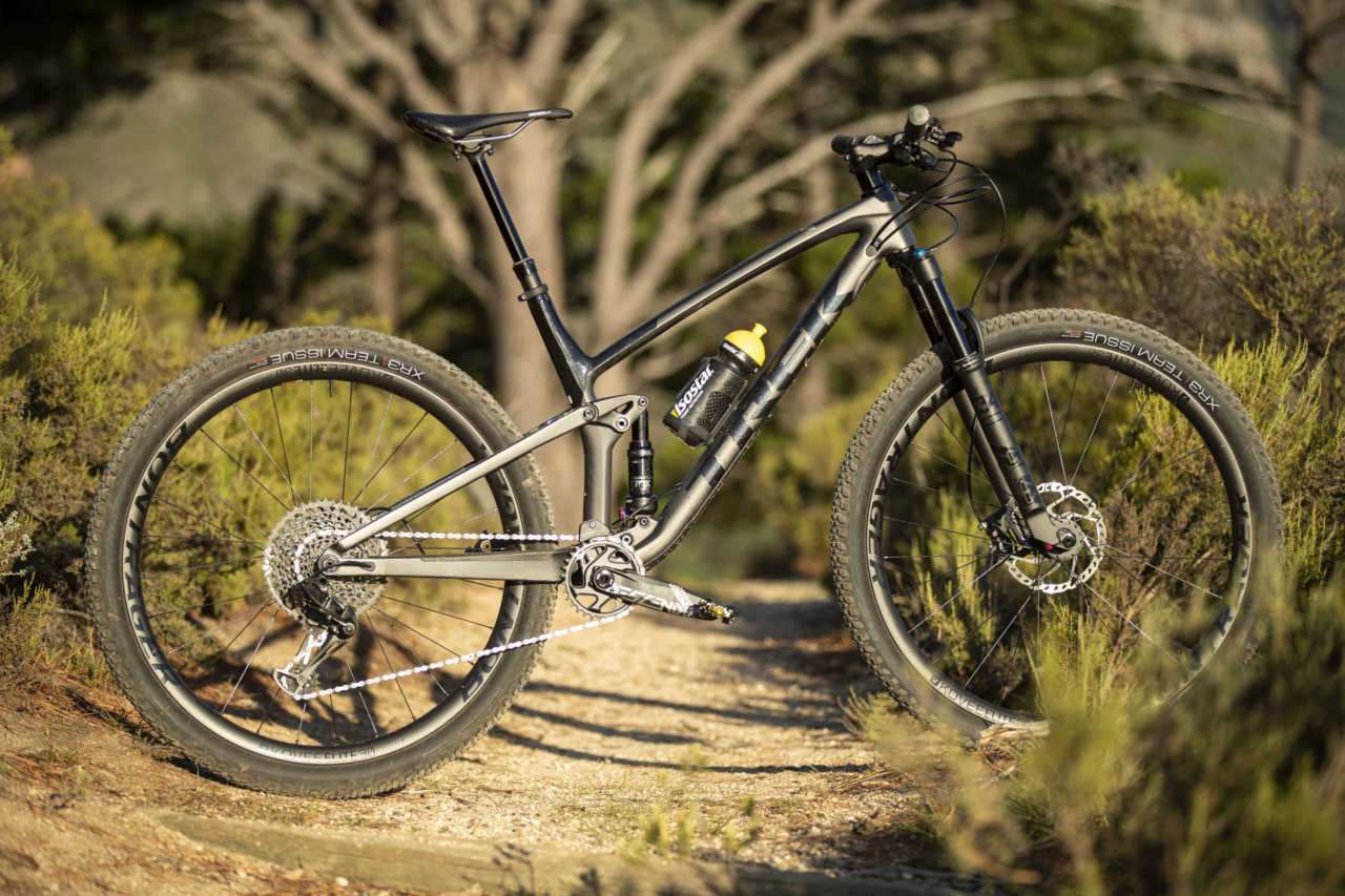 Trek Top Fuel 9.8 review for Bike Network by Myles Kelsey and Gary Perkin.
