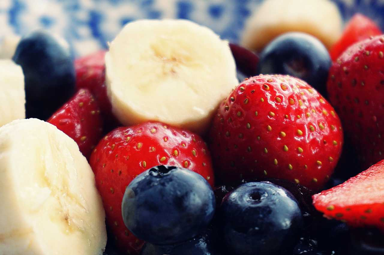 Fruit and yoghurt combine as an excellent recovery meal for cyclists.