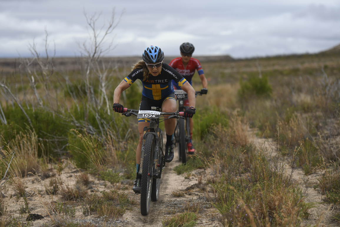 Jennie Stenerhag and Robyn de Groot spent 90 kilometres together at the front of the women's race.
