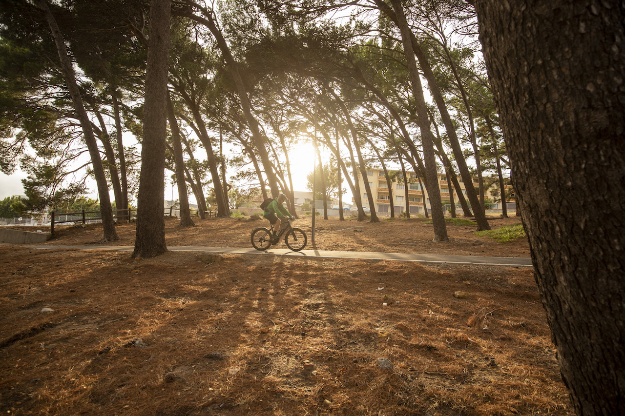 Gary Perkin riding the Trek Super Commuter ebike in Cape Town South Africa on 11 March 2020 for a bike review for Bike Network