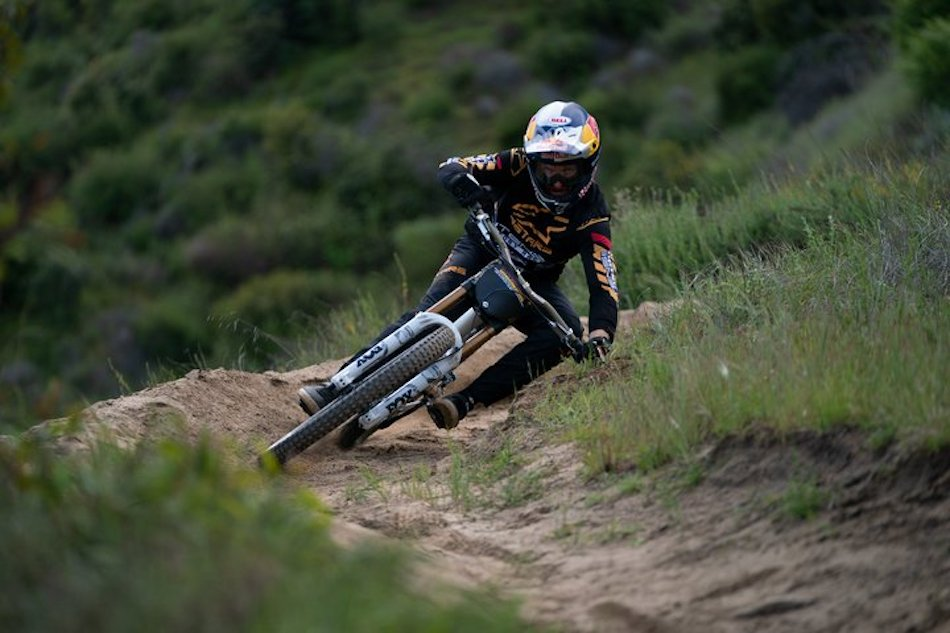 Aaron Gwin test riding the new Fox 40 mountain bike suspension fork with grip2 technology.