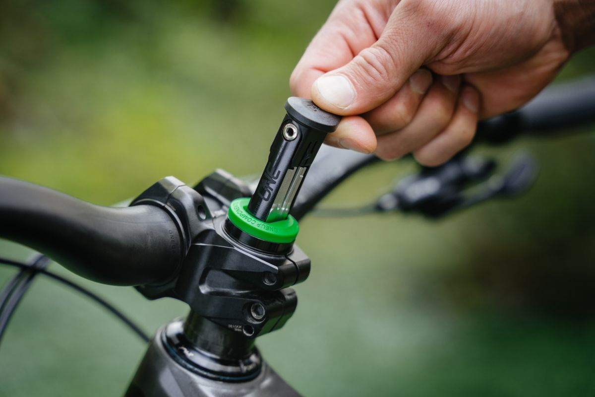 OneUp Components EDC lite multi-tool for mountain bikes