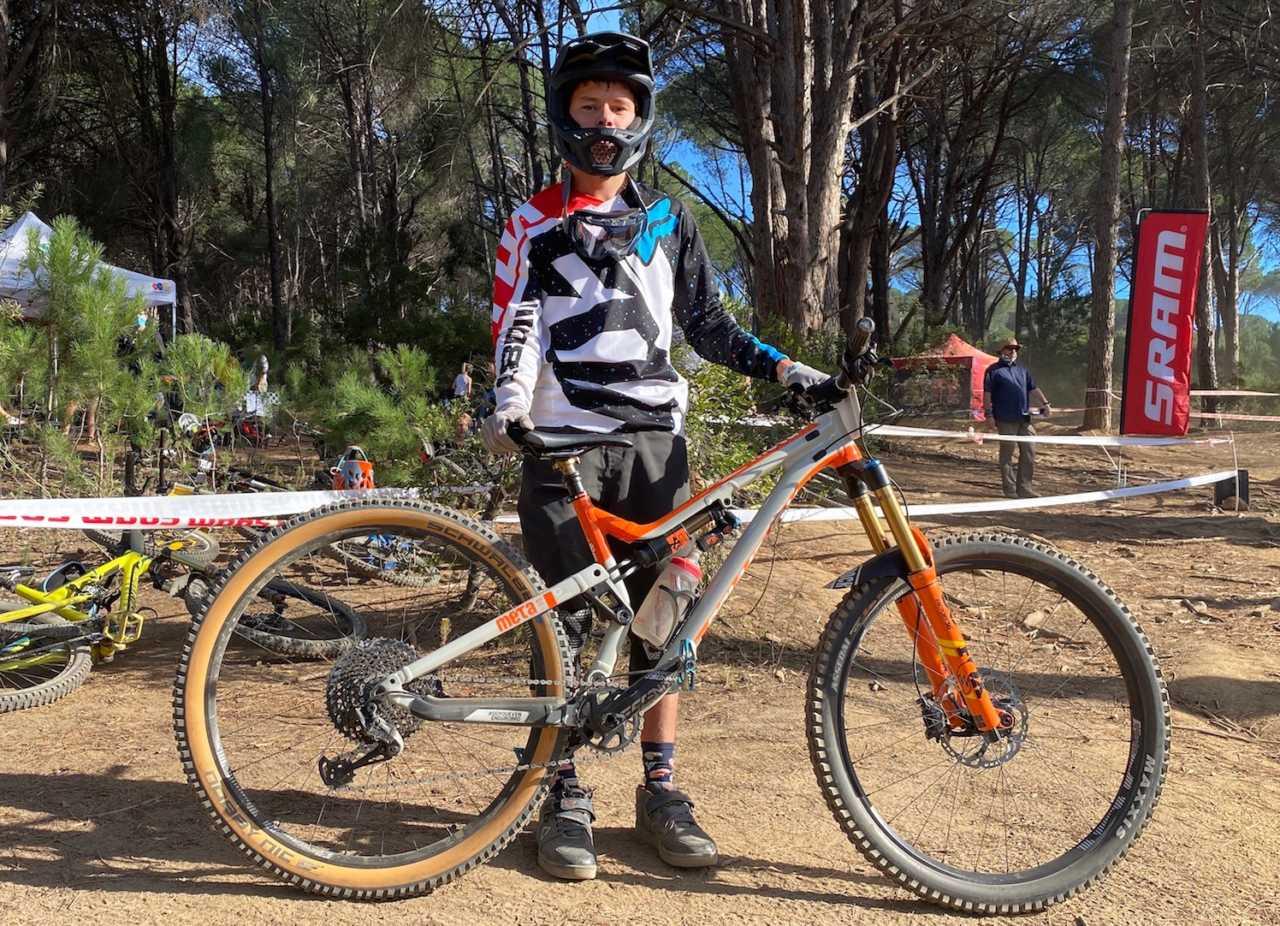 nico-bester-mountain-bike-paarl-bike-network-western-cape-downhill